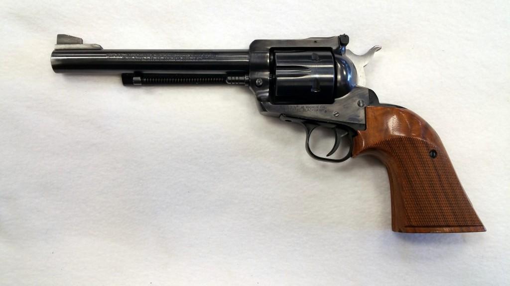 Ruger New Model Blackhawk 41 Magnum-2